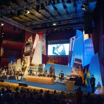 Ceremonia de entrega de Honores y Distinciones del Cabildo de Gran Canaria